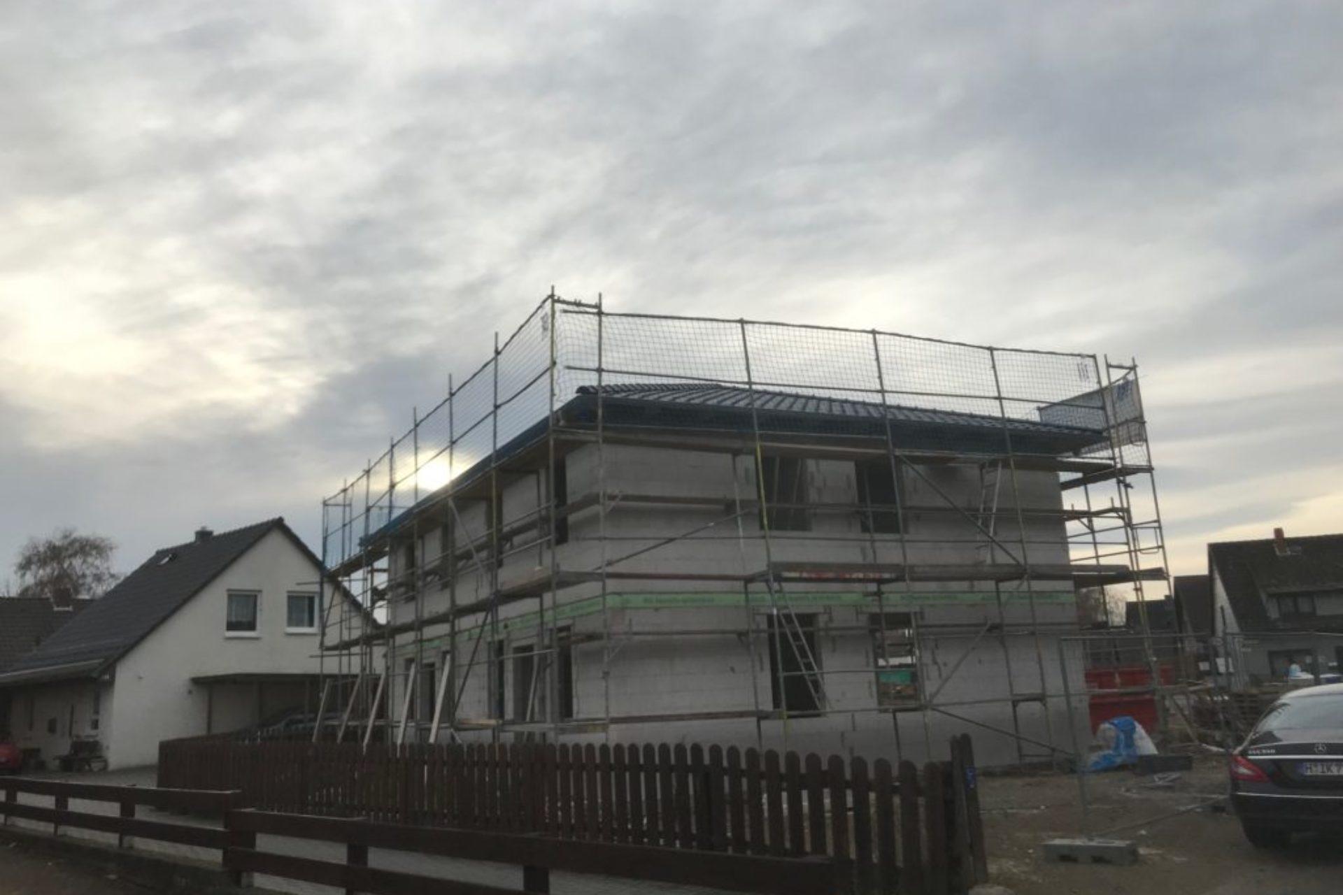Lehrte - Neubau Doppelhaus - im Bau